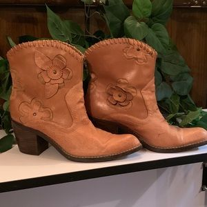 """MIA """"Daisy"""" Western Leather Boots"""